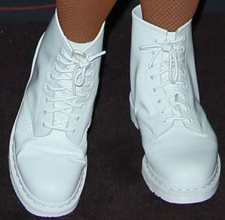 Picture of Lizzo's shoes