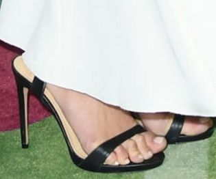 Picture of Chloe Bennet shoes
