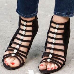 Picture of Claudia Schiffer shoes