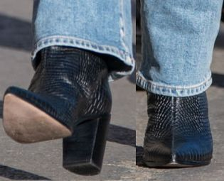 Picture of Elisabeth Moss shoes