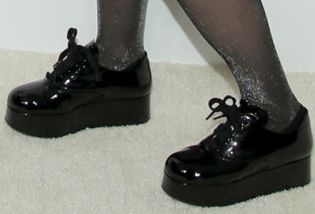 Picture of Emily Hampshire shoes