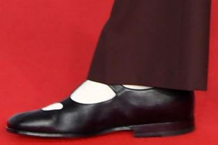 Picture of Harry Styles shoes
