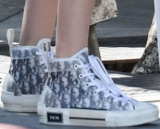Picture of Madison Beer shoes