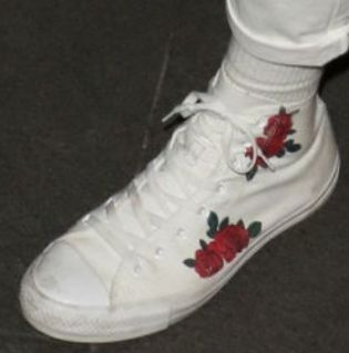 Picture of Tayler Holder shoes