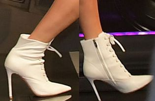 Picture of Taylor Swift shoes