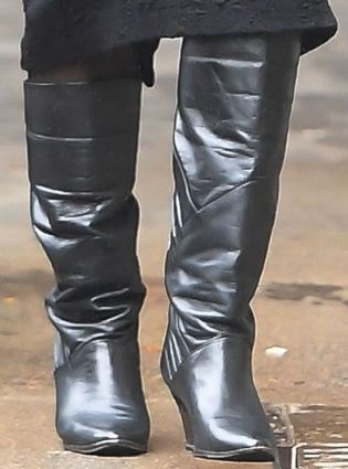 Picture of Vanessa Hudgens shoes