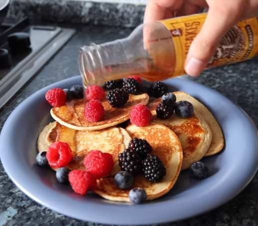 Brandon Harding Professional bodybuilder Brandon Harding shares his idea of the perfect breakfast to build lean muscle.
