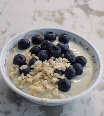 Lisa Kitahara, founder of the vegan recipe site Okonomi Kitchen, shared a high protein breakfast bowl recipe you can make in two minutes.