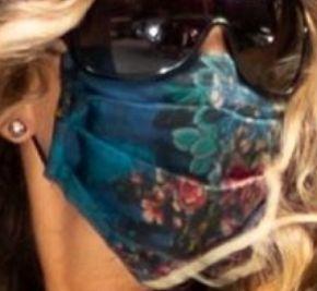 Picture of Sarah Jessica Parker coronavirus mask