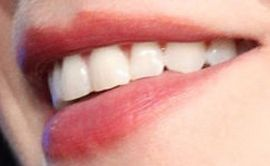 Picture of Zooey Deschanel teeth and smile