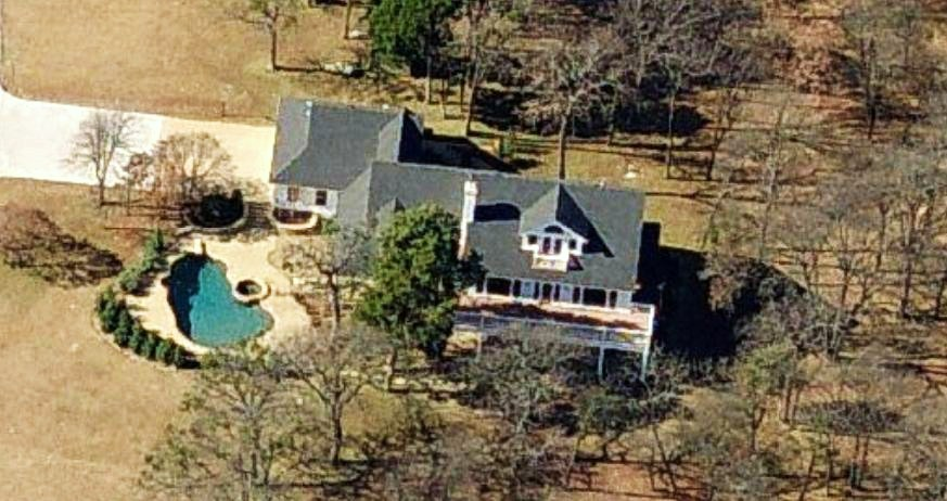 Kelly Clarkson home Texas - aerial house picture. Photos of celebrity homes and mansions, aerial photos Kelly Clarkson's house, celebrity houses, mansion, ranch