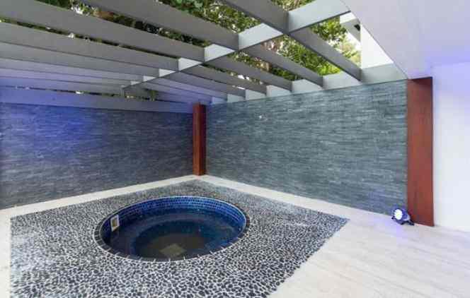 Picture of Conor McGregor's Miami Beach mansion rental