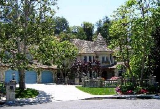 Joe and Tina Simpson's home Encino, California - Photo of Tina and Joe Simpson's house (front view)