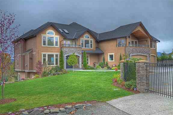 Aaron Curry has a $1,259,000 home in Renton, Washington.