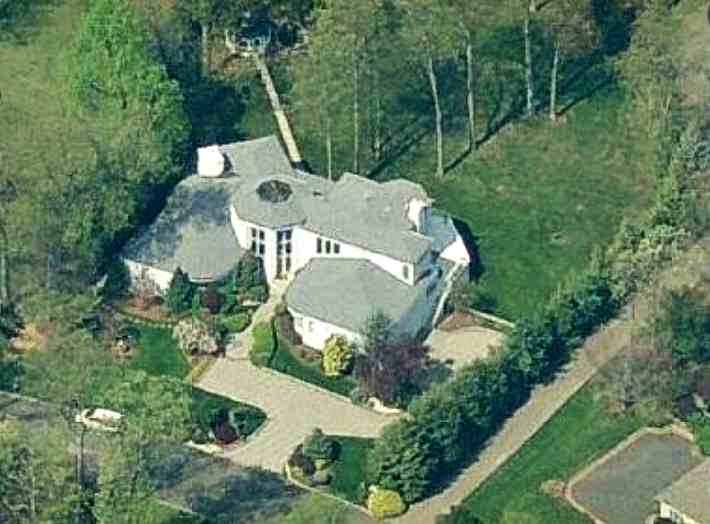 Gloria Gaynor's house in Green Brook New Jersey - home pictures