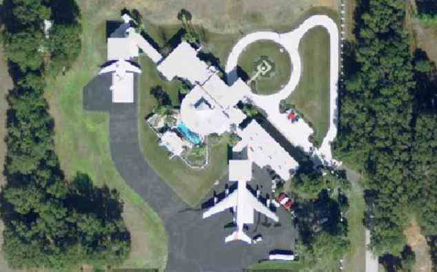 John Travolta's house at Jumbolair near Ocala Florida - picture #2