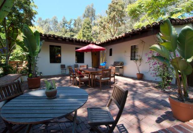 Justin Bartha house - home pictures - Laurel Canyon CA