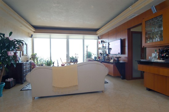 Kris Humphries condo Miami Beach Florida - house pictures
