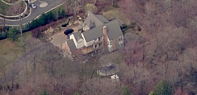 LL Cool J house profile - LL Cool J's house in Manhasset, New York