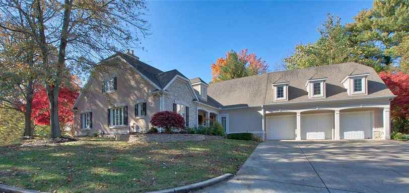 Retired NY Yankees legend and current Marlins manager Don Mattingly is selling his Evansville, Indiana mansion