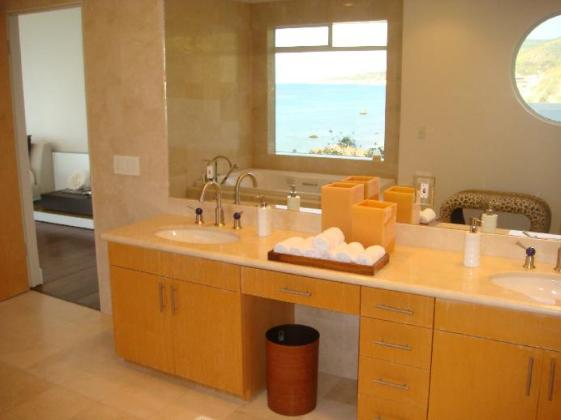 Gloria Allred house - home pictures - Malibu, CA