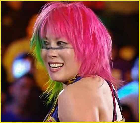 Asuka Defeats Emma at TLC