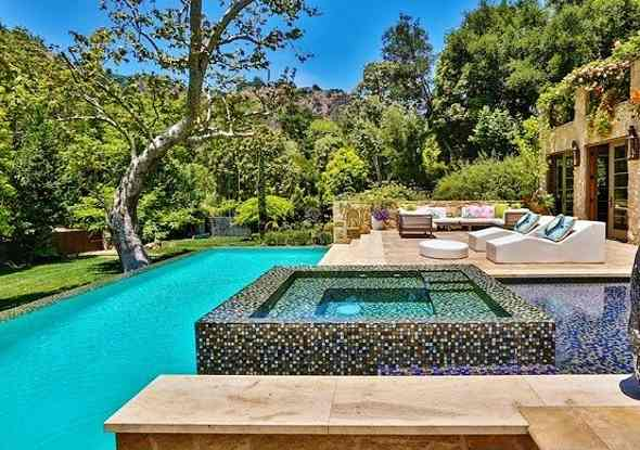 Celebrity Swimming Pools Celebritydetective Com