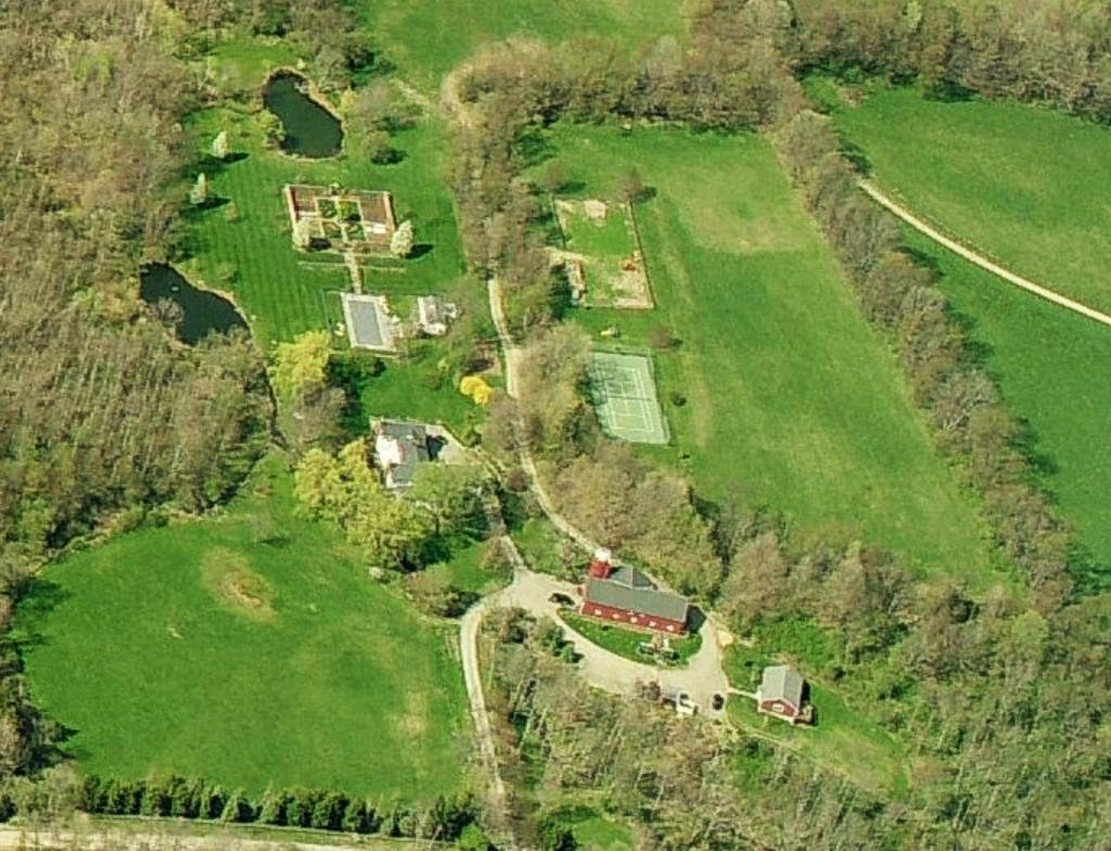 Natasha Richardson and Liam Neeson home profile - Natasha Richardson and Liam Neeson house in Millbrook New York