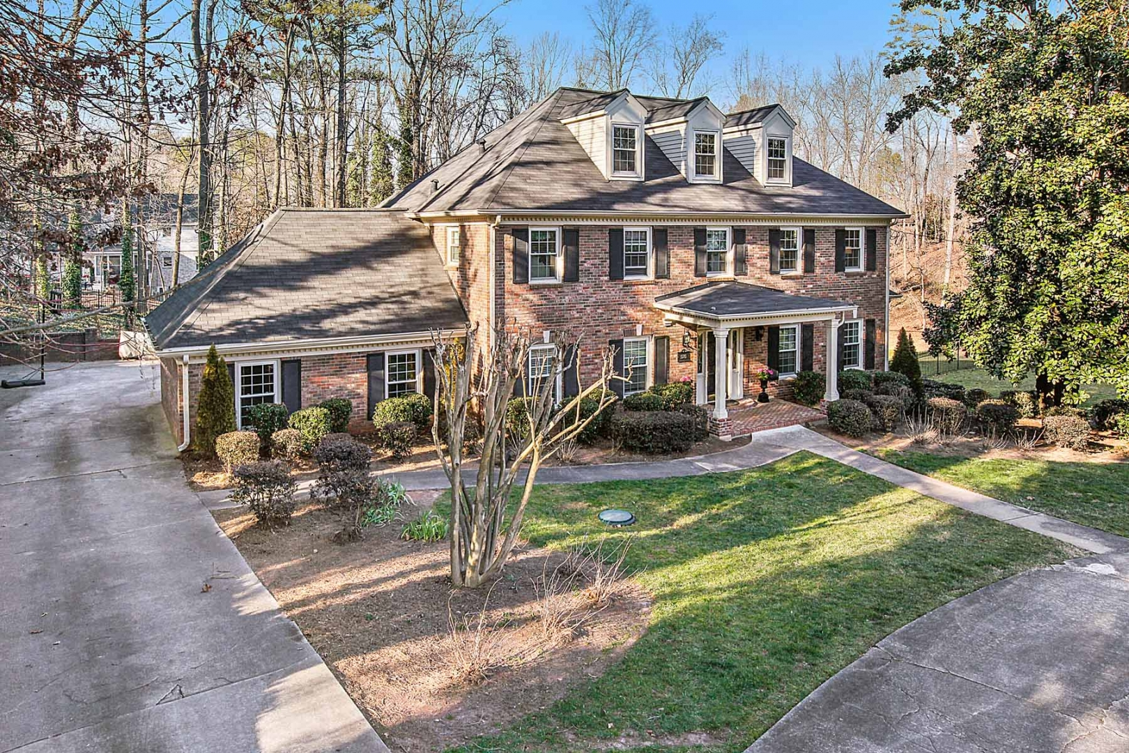 NFL Jerseys Official - Patrick DiMarco's Atlanta house photos and facts