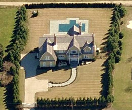 photo of Rudy Giuliani's house in Watermill, NY on Long Island