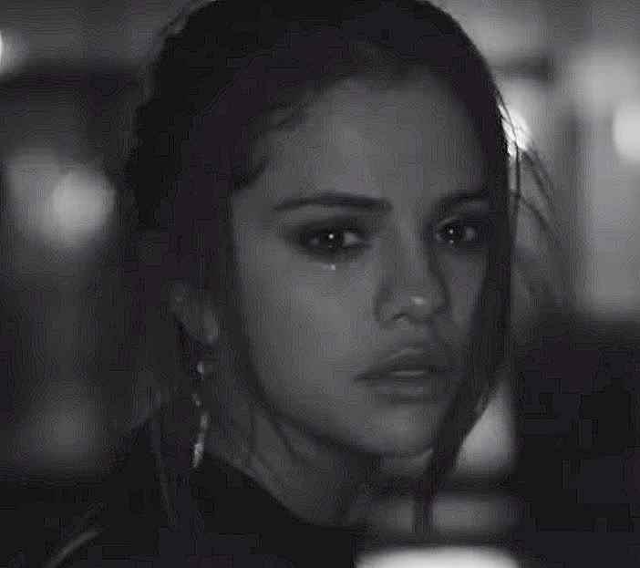 Selena Gomez -  ft. The Weeknd - I Feel What The Heart Wants