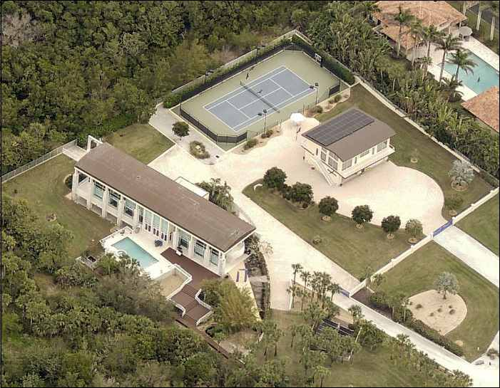Stephen King's house - aerial photo of Stephen King's house on Casey in Sarasota, Florida